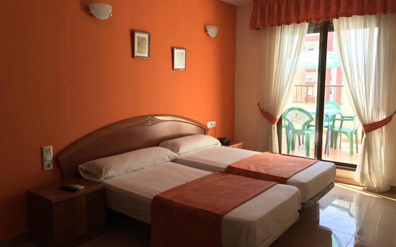 Habitación Triple Amplia y cómoda Hotel Imperial Cullera